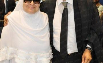 الدكتور عمرو الليثي ووالدته